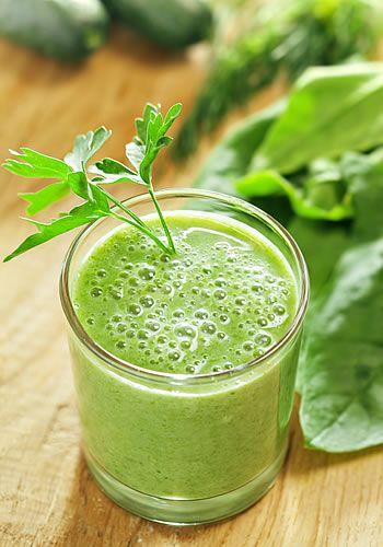 Suco verde é ótimo para o corpo. (Foto: iStock)