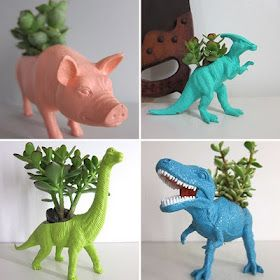 Crazy things to do with plastic animals! [Large & small]