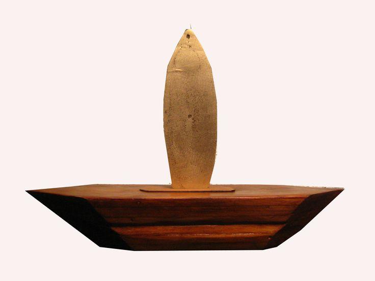 """""""El gran barco"""", escultura en madera y bronce"""