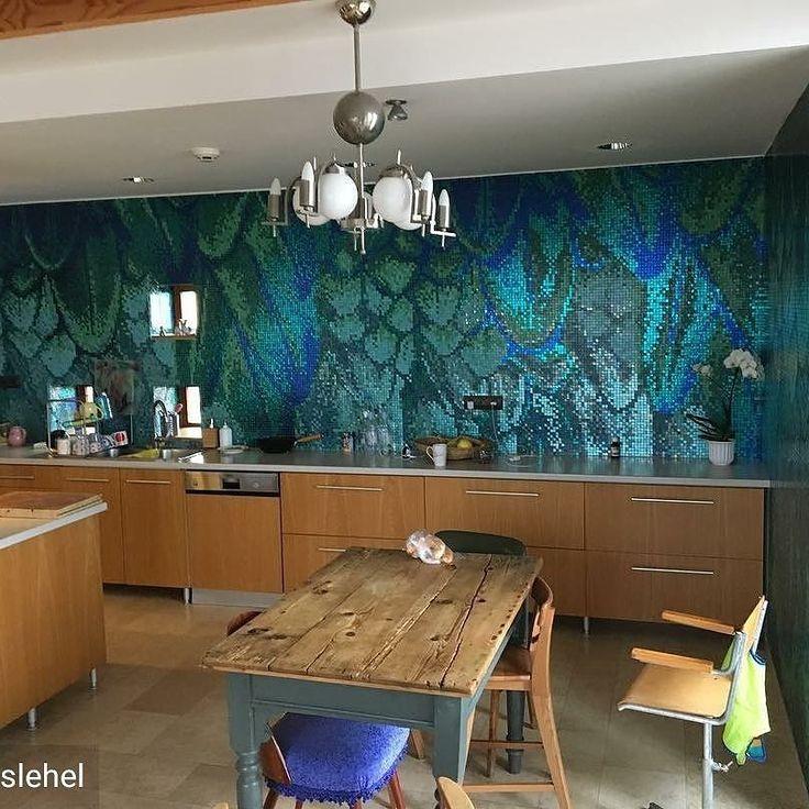 One of the new @sicis_official #pixel #Mosaic reference in #budapest #hungary :) @Regranned from @akoslehel -  @sicis_official iPix Guacamayo verde  #burkoland #keramiatrendl #keramiatrend #sicis #mosaic #art #mosaicart #guacamayoverde #kitchen #kitchendesign #mozaik @ivanbordesign - #mindenmozaik #everythingismosaic