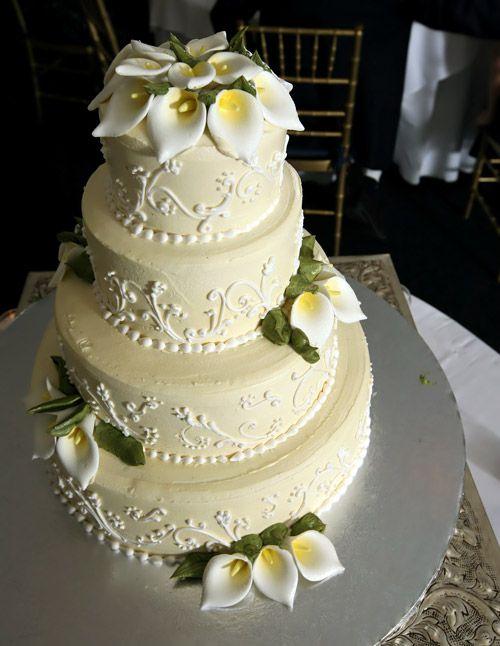 4 lagen bruidstaart in licht geel