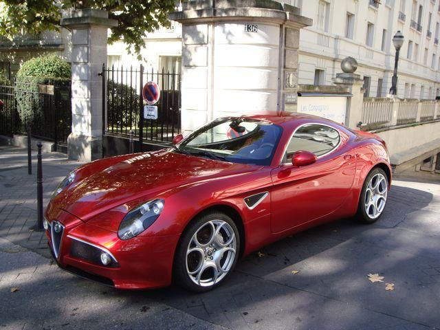 alfa 8c - Pedal to the metal... I want a red one!!!