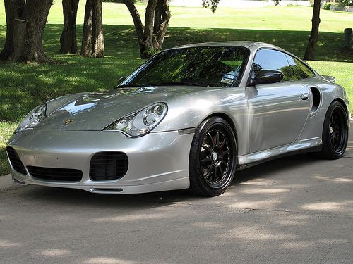 Porsche 996 Turbo. ポルシェフリークの間で人気がいまいちの996。私は本当の意味で911シリーズの二代目となる996は好きです!