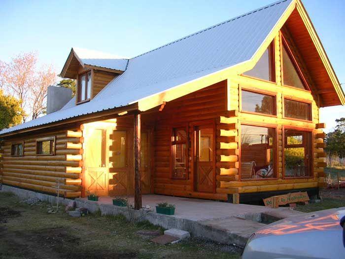 Las fotos de la pagina web  son para mostrar lo que hemos realizado. Podemos diseñar y construir la casa que Ud. desee y del tamaño que necesite. Pag web: casadetroncos.com