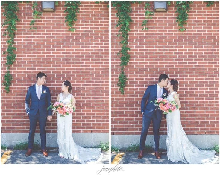 Catherine and Yvon's colorful wedding published in Wedding Bells magazine » Photographe de mariage à Montréal