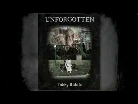 'Unforgotten' by Tohby Riddle, his latest work. After reading this gentle story one day in a bookshop, I sensed calm and serenity. Before long, I will have a copy too. This short clip tells part of the story ...
