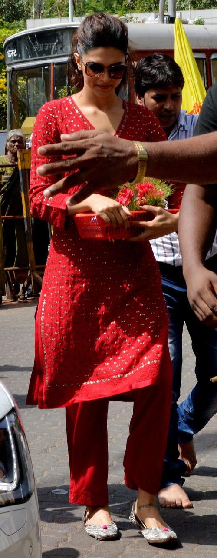 Deepika Padukone at 'Siddhivinayak' Temple to seek blessings for 'Yeh Jawaani Hai Deewani'