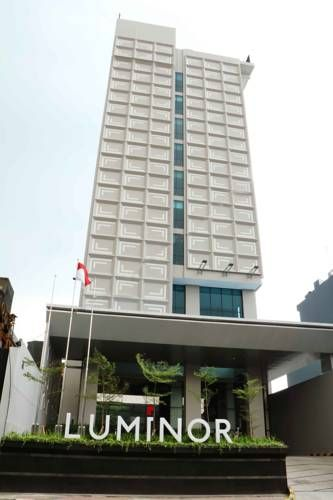 Luminor Hotel Pecenongan Jakarta Luminor Hotel Pecenongan offers accommodation in Jakarta, 3.8 km from Plaza Indonesia. The hotel provides free WiFi throughout the premises. Guests can enjoy dining at the restaurant, followed by a drink at the bar.