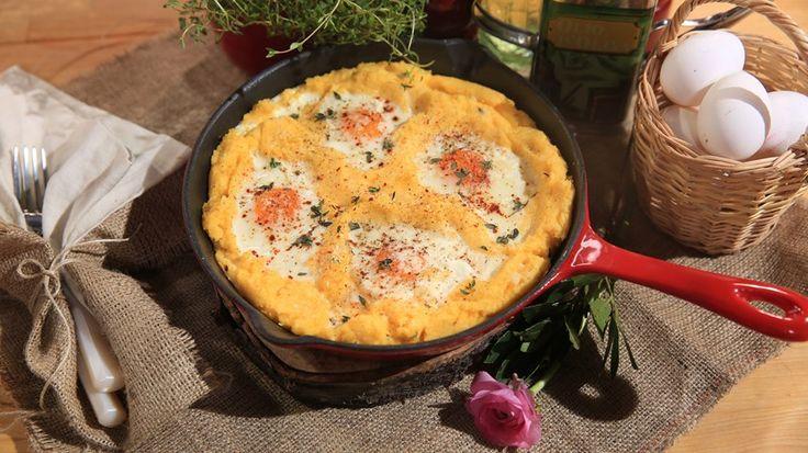 Yumuşak Polenta'da Pişmiş  Göz Yumurta Tarifi