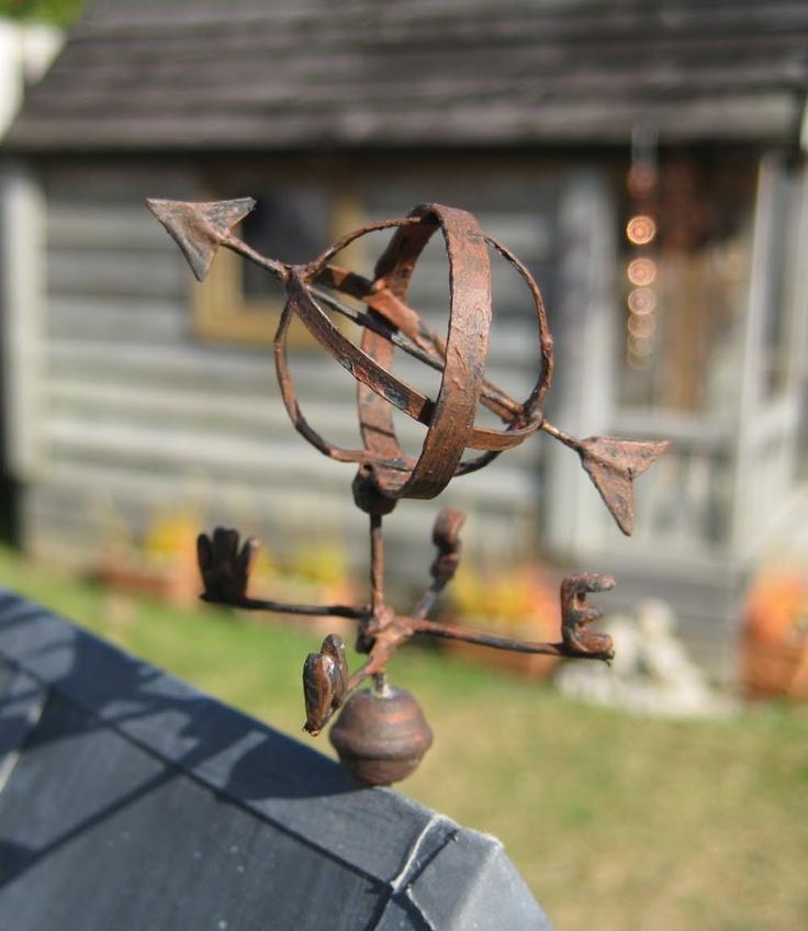 Liberty Biberty: Outside the Shabby House - Mini weather vane !