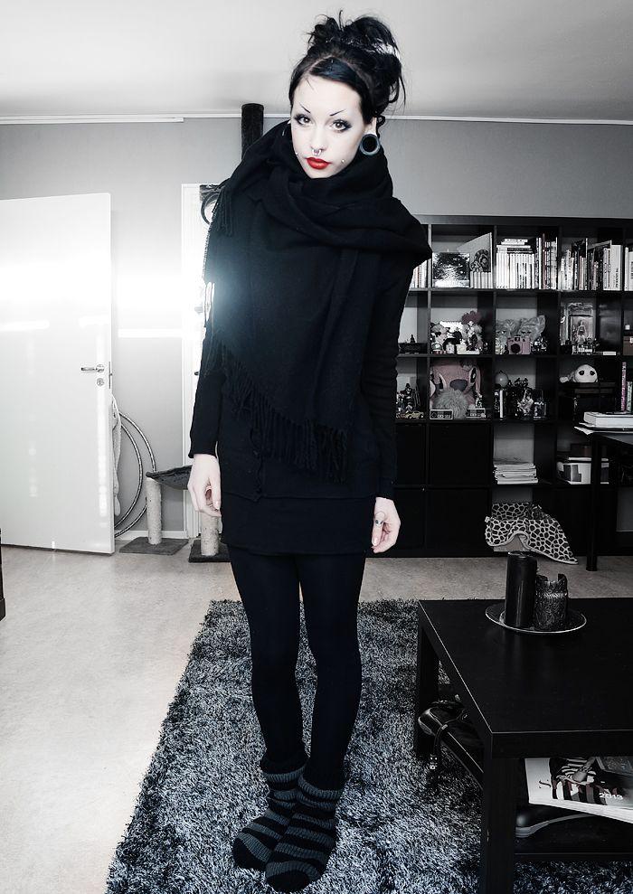 all black. goth fashion. and lol I love her socks