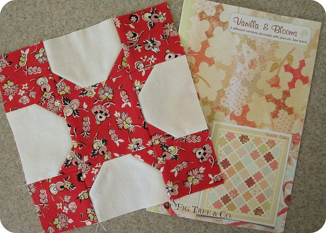 Vanilla & Blooms Quilt Pattern: Quilts Patterns, Bloom Blocks, Bloom Quilts, Dreams Quilts, Quilts Blocks, Photo Shared, Scrap Quilts Ideas, Inspiration Quilts, Vanilla Bloom