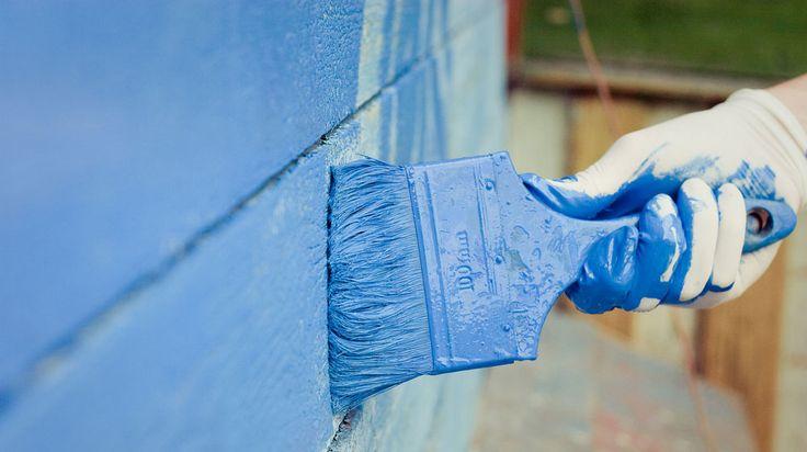 Dags att måla fasaden? Var noga med vilken färg du väljer. I Folksams nya stora test av utomhusfärger är det nämligen bara 4 av 45 populära utomhusfärger som blir godkända när både funktion och miljö/hälsoaspekten granskats. Se vilka det är här!