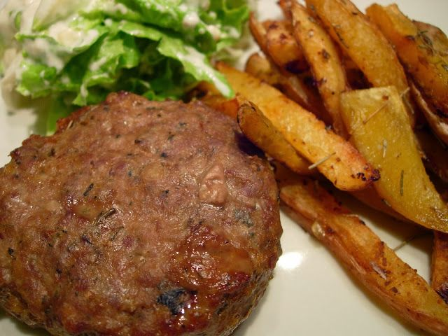 As Receitas da Patanisca: Hamburgers no forno500g de carne picada (pode ser metade de porco e metade de vaca) 1 molho pequeno de salsa 1 cebola pequena ....
