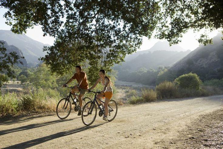 Las mejores bicicletas para mujeres. El ciclismo es un deporte apreciado tanto por hombres como por mujeres, y cada nivel de competencia ha organizado eventos para ambos sexos. Si estás buscando entrar en una competencia de ciclismo o solo buscas una bicicleta casual para pavimento, puedes tomar ...