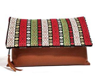 Stile etnico Foldover frizione - tribale frizione borsa - a strisce in pelle borsa - Tablet Bag - Kilim borsa - Boho frizione - verde, rosso-