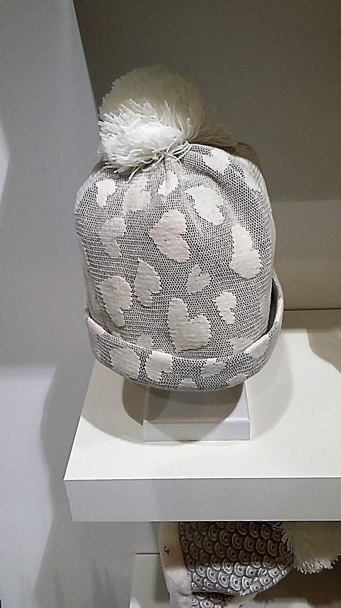 Cuori sui cappelli al #PittiBimbo #moda #bambini