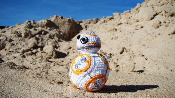 BB-8 crochet amigurumi toy