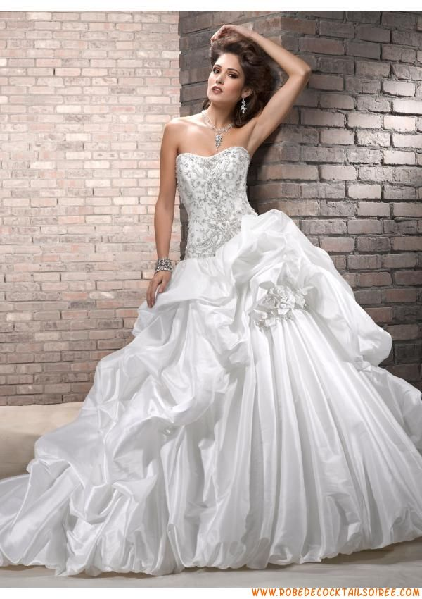 Belle robe de mariée blanche 2013 princesse broderies taffetas