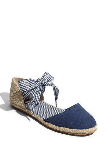 Cute!  I could wear these on the boat or to brunch!  I could also wear them to work, which is actually where I will be all summer:).