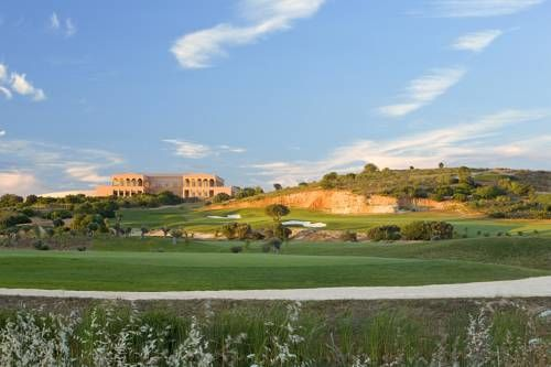 Amendoeira Golf Resort Alcantarilha Located amongst extensive landscaped gardens in central Algarve, 6 km from Armacao de Pera, Amendoeira Golf Resort has 2 championship golf courses. It features elegant self-catering apartments, a sports club, and 2 swimming pools.