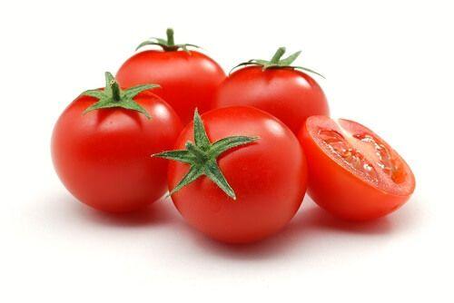 Informação Nutricional - Tomate. Calorias, gorduras totais, saturada, trans, colesterol, sódio, carboidratos, fibra, açúcar, proteína, fósforo, ferro, zinco