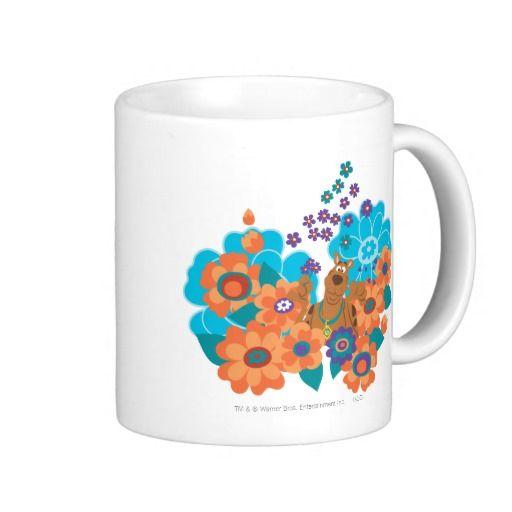 Scooby Doo In Flower Field. Regalos, Gifts. #taza #mug