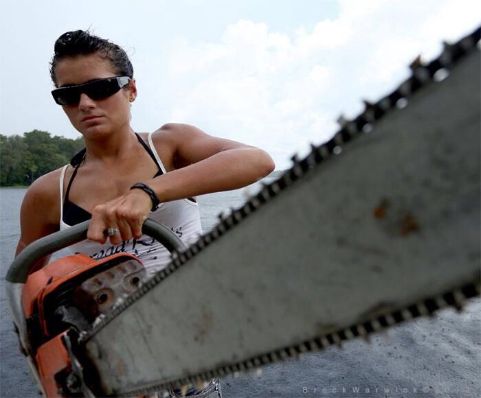 Katelyn Sims from Ax Men   Nothing is sexier than a woman
