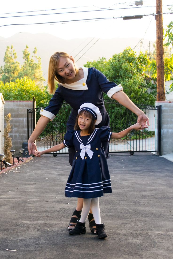 Nautical dress with matching beret hat. Featuring pleated skirt with brass anchor buttons, piping along hemline, short puffed sleeves, and nautical collar. A matching bow in front and big bow ties in the back give it a classic nautical look. Zipper back closure ensures an easy fit. Beret hat with contrasting trim and white satin ribbon bow complete this adorable sailor dress outfit for girls!