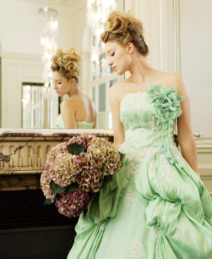 気品あるゴージャスなドレス♪グリーンの花嫁衣装・ウェディングドレスの参考一覧まとめ♪