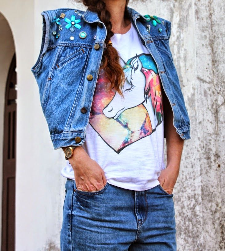 customized tshirt and decorated denim vest ( both by me )  tshirt e gilet in denim customizzati con  illustrazione e decorazioni  #outfit :) #tshirt  #denim #jeans #vest #unicorn #tee #unicorns #fairytales #fashionista #dyi #decorations #colorful #stylish #trend #designer #creatives #creativity #italy  #fashion #pink #fashionblogger #fashionblog #streetstyle