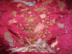 Au ver à soie : Our silk threads Couvre-lit brode en pure soie