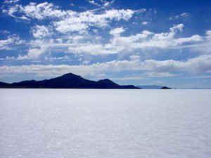 Salt flats in Bolivia (Bonneville Salt Flats in Utah would probably suffice): Largest Salts, Bolivian Salts, Salts Desert, Bonneville Salts Flats, Bonnevil Salts Flats, Uyuni Salts, Bolivia Salts