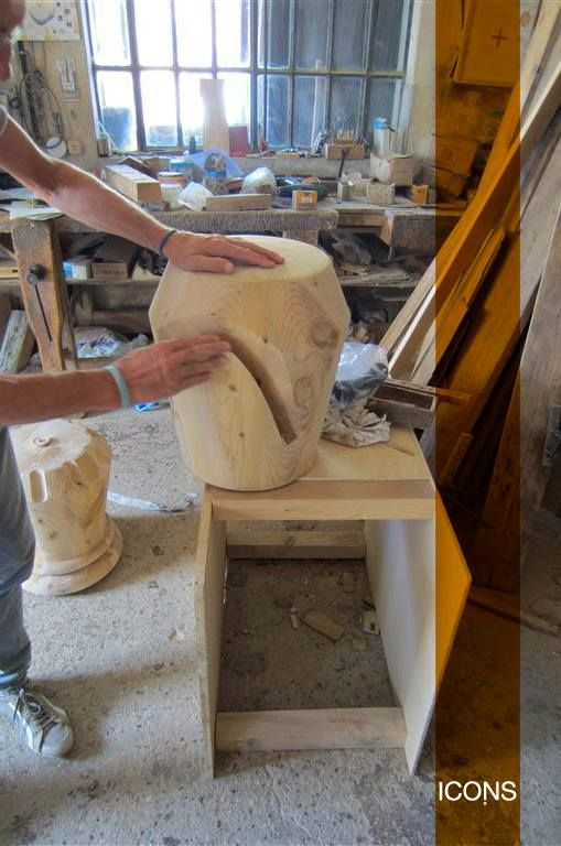 We are finishing the second #production of the new #stools. What do you think about it?  #Icons #Iconsfurniture