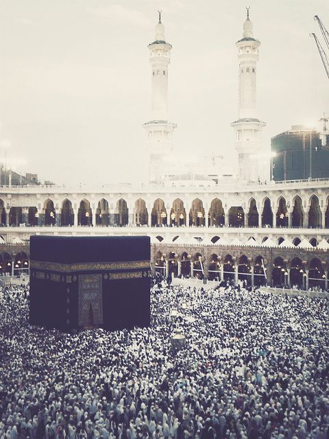 Mecca Al Mukarramah, Saudi Arabia by theonlywannn, via Flickr
