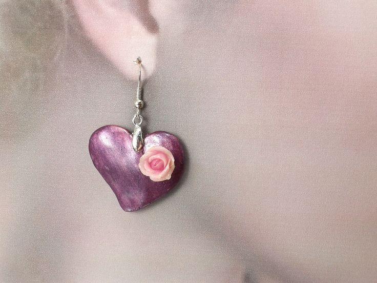 """Boucles """"Coeur à la rose"""" modelées en porcelaine froide : Boucles d'oreille par artmor-bijoux"""
