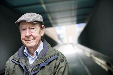 Tom Kibble Physicist Who Helped Discover the Higgs Mechanism Dies at 83