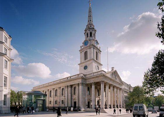 O amintire imposibil de uitat, acum câțiva ani, la St Martin-in-the-Fields: o zi de Februarie, biserica plină de oameni ai străzii dormindpe bănci. În același timp, un ansamblu repeta un concert d…
