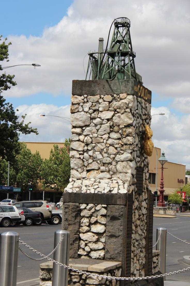 Gold mining memorial Ballarat  photo©jadoretotravel