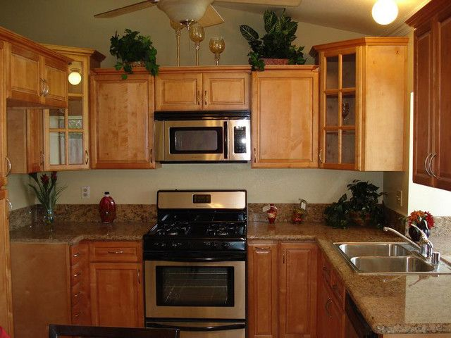 Best color with cherry cabinets colors with maple for Cinnamon colored kitchen cabinets