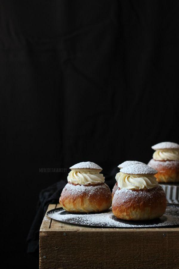 El Semla es uno de los pasteles más tradicionales de Suecia, Finlandia y Estonia. Suelen servirse en un plato hondo con leche caliente...