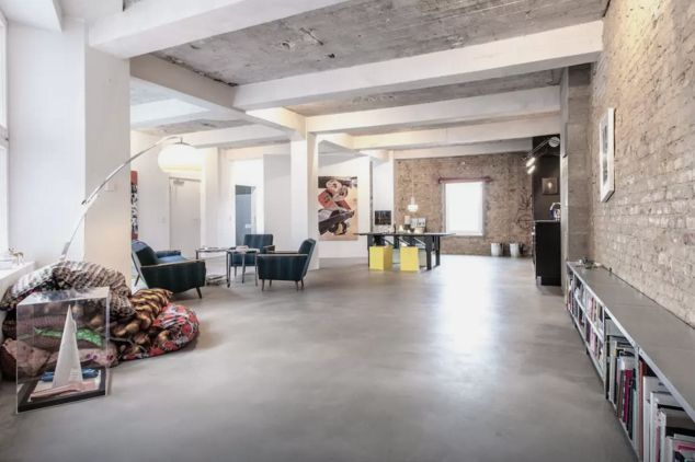 restored factory loft in berlin lofts. Black Bedroom Furniture Sets. Home Design Ideas
