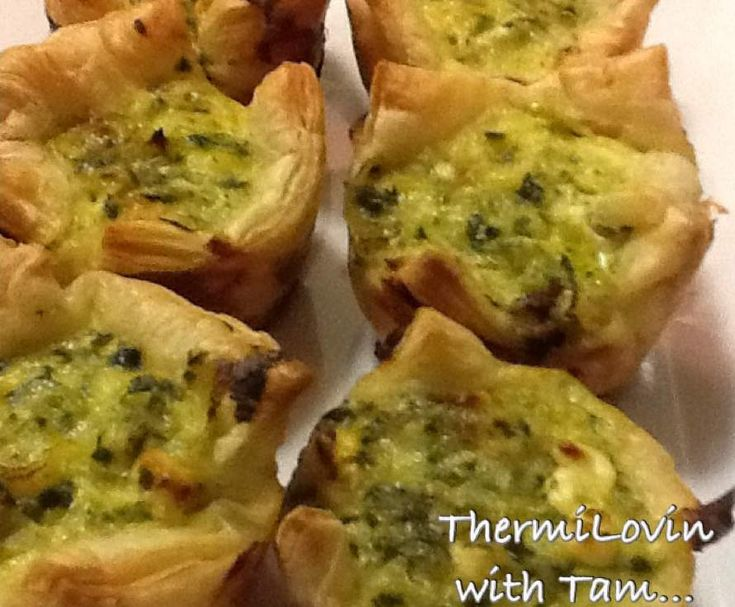 Recipe Lunchbox Spinach and Feta Tarts by ThermiLovin with Tam - Recipe of category Baking - savoury