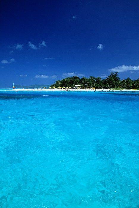 Managaha Island, Saipan; photo by Greg Vaughn is my honeymoon destination. That was decided yesterday (: CANNOT WAIT