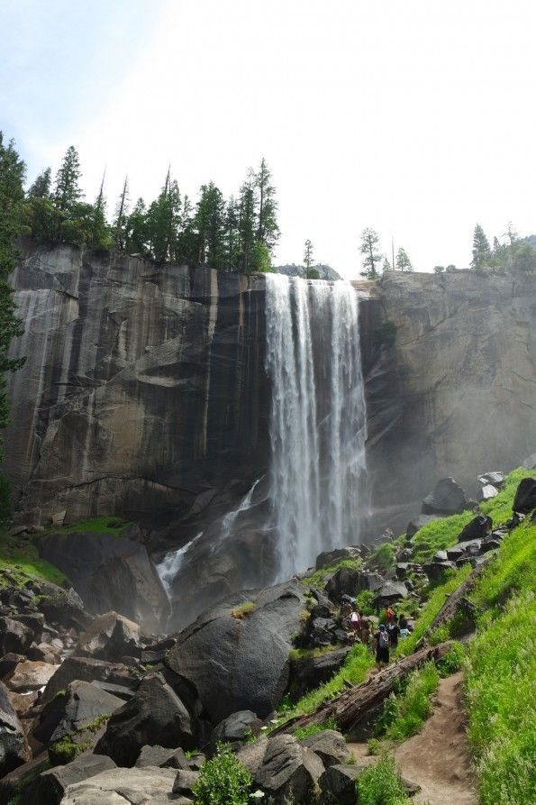 The Vernal Falls - Hiking the Yosemite Mist Trail at eppie.me.uk