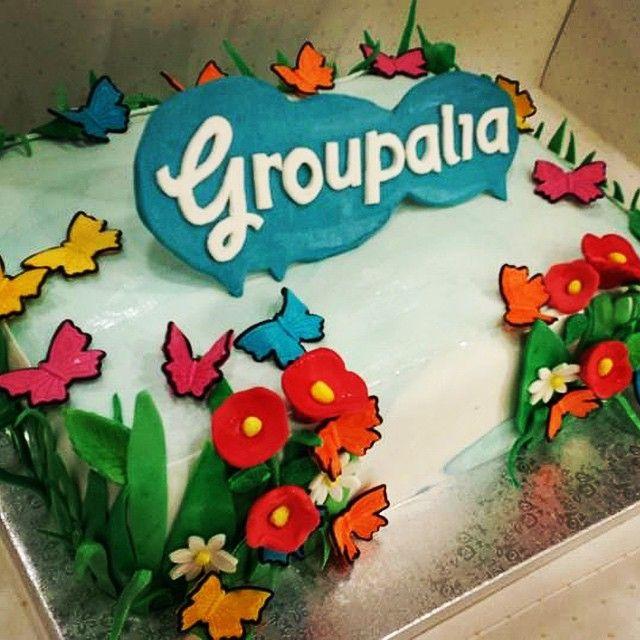 Ecco come iniziamo la settimana qui in #Groupalia...  Buona #merenda! #torta #dolce #cake #sweet #dolci