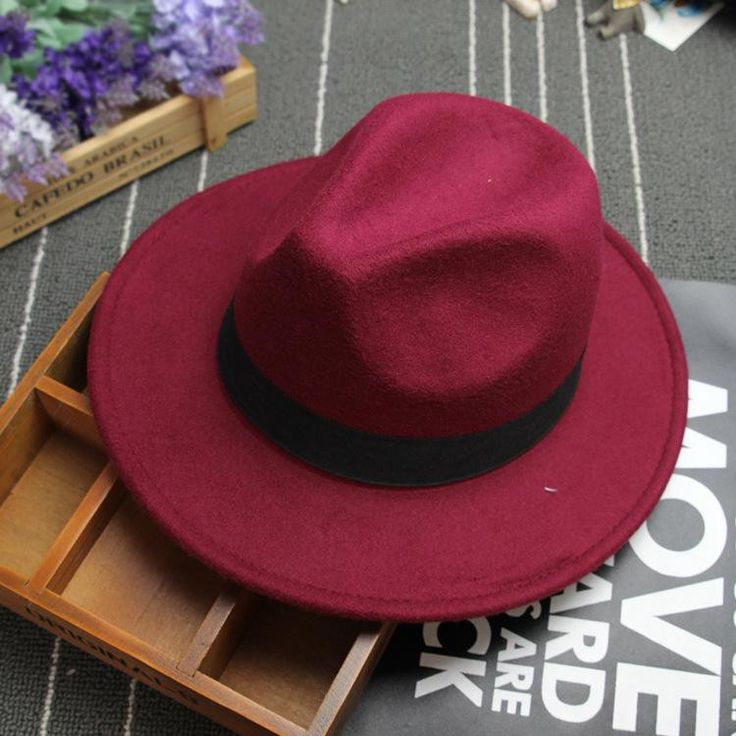 Gender: Unisex Category Of The Product: Formal Hat Fedora Applicable Gender: Hats for women/men Texture Of Material: Cloth / Felt Pattern: Solid Color Suitable Season: Winter, Spring, Autumn Colour: B