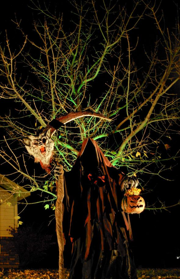 this web page has fantastic outdoor extreme halloween decorating idea photos creepy stuff love - Extreme Halloween Decorations