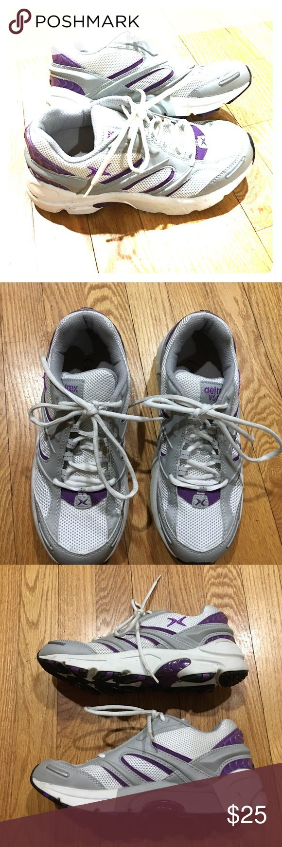 Aetrex sz 6 wide v559 purple white gray great Aetrex v559 sz 6 wide running shoes excellent condition very comfortable non-smoking home Festa livery an excellent price get them today aetrex Shoes Athletic Shoes