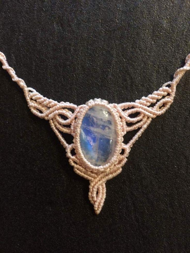 Collier de fée en pierre de lune